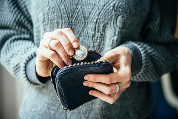 lady with coin purse
