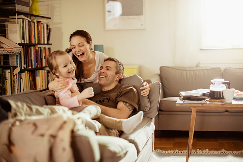 soldier and family at home va loan