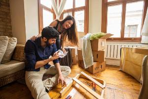 20s-couple-putting-together-furniture