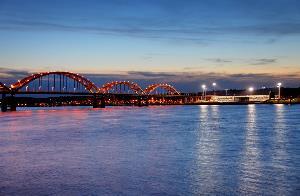 centennial bridge from rock island to davenport quad cities