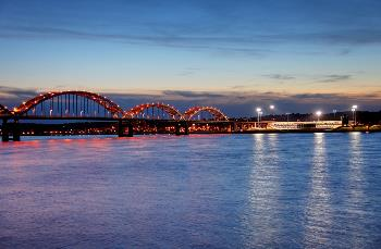 centennial bridge from rock island to davenport quad cities
