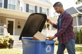 man who knows who easy it is to recycle
