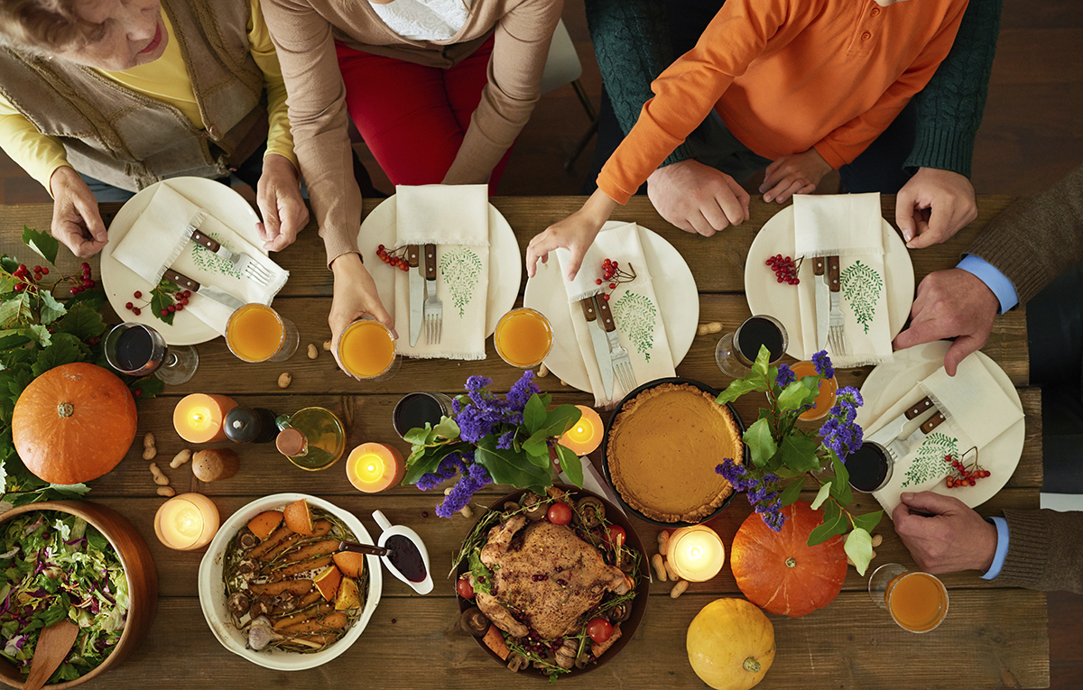 thanksgivingtable_blog